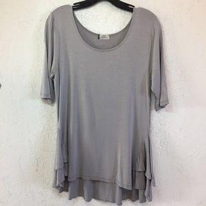 Lilac Clothing Maternity Top L Gray Ruffle